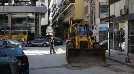 Ούτε ο κορωνοϊός δεν σταματάει τα έργα στη Λάρισα – Με μάσκες οι εργασίες (φωτο)