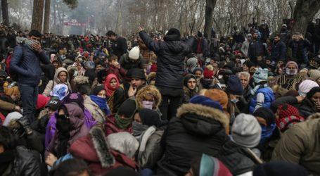 ΔΟΜ: Τουλάχιστον 13.000 πρόσφυγες και μετανάστες στα σύνορα Τουρκίας