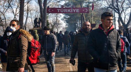"""""""Καραβάνια"""" μεταναστών κατευθύνονται με κάθε μέσο προς τα σύνορα"""