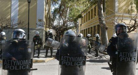 Αστυνομική επιχείρηση σε κατειλημμένο κτήριο στα Εξάρχεια