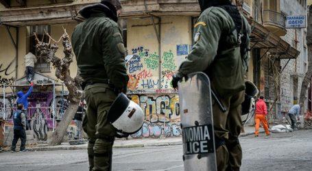 Ολοκληρώθηκε η αστυνομική επιχείρηση στο κατειλημμένο κτήριο στα Εξάρχεια