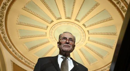 Ο πρόεδρος του Ανωτάτου Δικαστηρίου καταδικάζει τα «επικίνδυνα» σχόλια του Δημοκρατικού γερουσιαστή Τσακ Σούμερ