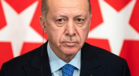 Επανεξέταση των ρυθμίσεων της συμφωνίας ΕΕ-Τουρκίας για το μεταναστευτικό ζήτησε από τη Μέρκελ ο Ερντογάν