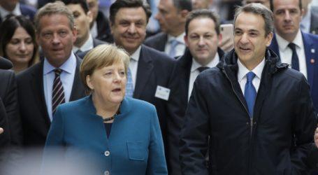 Στηρίζει την Ελλάδα, κατανοεί την Τουρκία η Μέρκελ