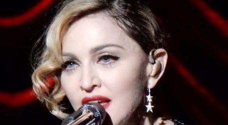 Η Μαντόνα ακύρωσε τα σόου της στο Παρίσι εξαιτίας του κορωνοϊού
