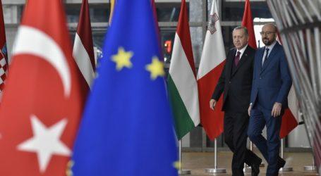 Σύνοδο για το μεταναστευτικό με Μακρόν και Μέρκελ ανακοίνωσε ο Ερντογάν