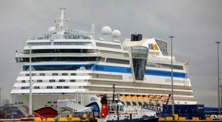 Κλείνουν τα λιμάνια για τα ξένα κρουαζιερόπλοια λόγω φόβων για τον κοροωνoϊό