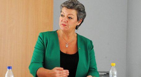 Στο υπουργείο Μετανάστευσης και Ασύλου βρίσκεται η επίτροπος Ίλβα Γιόχανσον