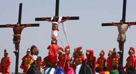 Οι Αρχές απαγόρευσαν τις σταυρώσεις