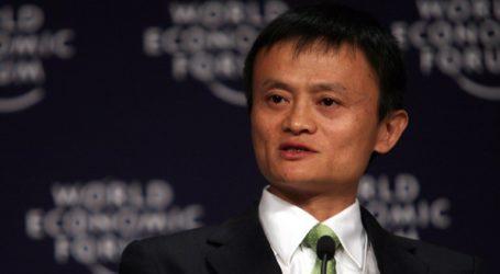 Ο δισεκατομμυριούχος συνιδρυτής της Alibaba δώρισε μάσκες και σετ εξετάσεων στις ΗΠΑ