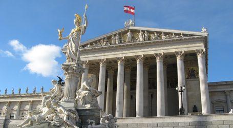 Ο κορονοϊός ανατρέπει το σχεδιαζόμενο δημοσιονομικό πλεόνασμα της χώρας