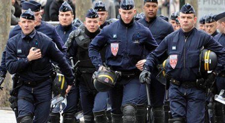 Η Γαλλία αναπτύσσει 100.000 αστυνομικούς για την επιβολή των αυστηρών περιορισμών