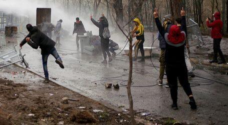 Νέος κύκλος έντασης με ρίψεις χημικών και πετρών στις Καστανιές