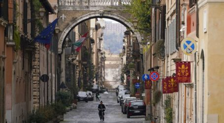 Ιταλία: 793 νεκροί σε μία ημέρα