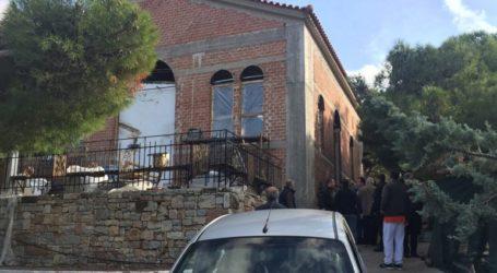 Ο Ιερέας του Προφήτη Ηλία Ηλιούπολης «κλειδώθηκε» στην εκκλησία με πιστούς