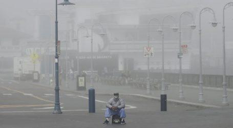 Ο κυβερνήτης της Καλιφόρνιας προεξοφλεί ότι θα χρειαστούν ως και 50.000 επιπλέον νοσοκομειακές κλίνες