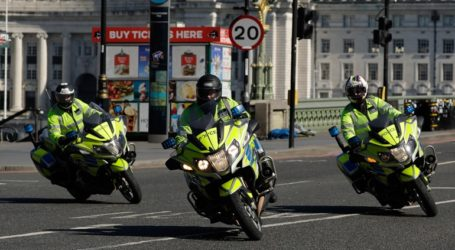 Διετής κάθειρξη για όποιον εσκεμμένα βήχει μπροστά σε αστυνομικούς