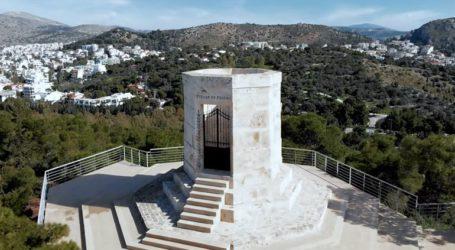 Το Μνημείο Πεσόντων ΛΟΚ στη Βουλιαγμένη