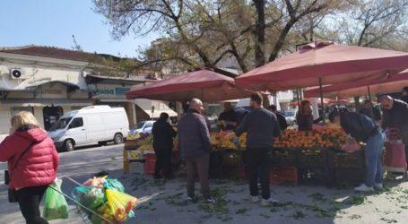 «Λαϊκό προσκύνημα» στη λαϊκή αγορά των Τρικάλων