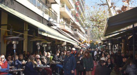 Κορωνοϊός: Κλείνουν εστιατόρια και καφετέριες – 190 τα κρούσματα στην Ελλάδα