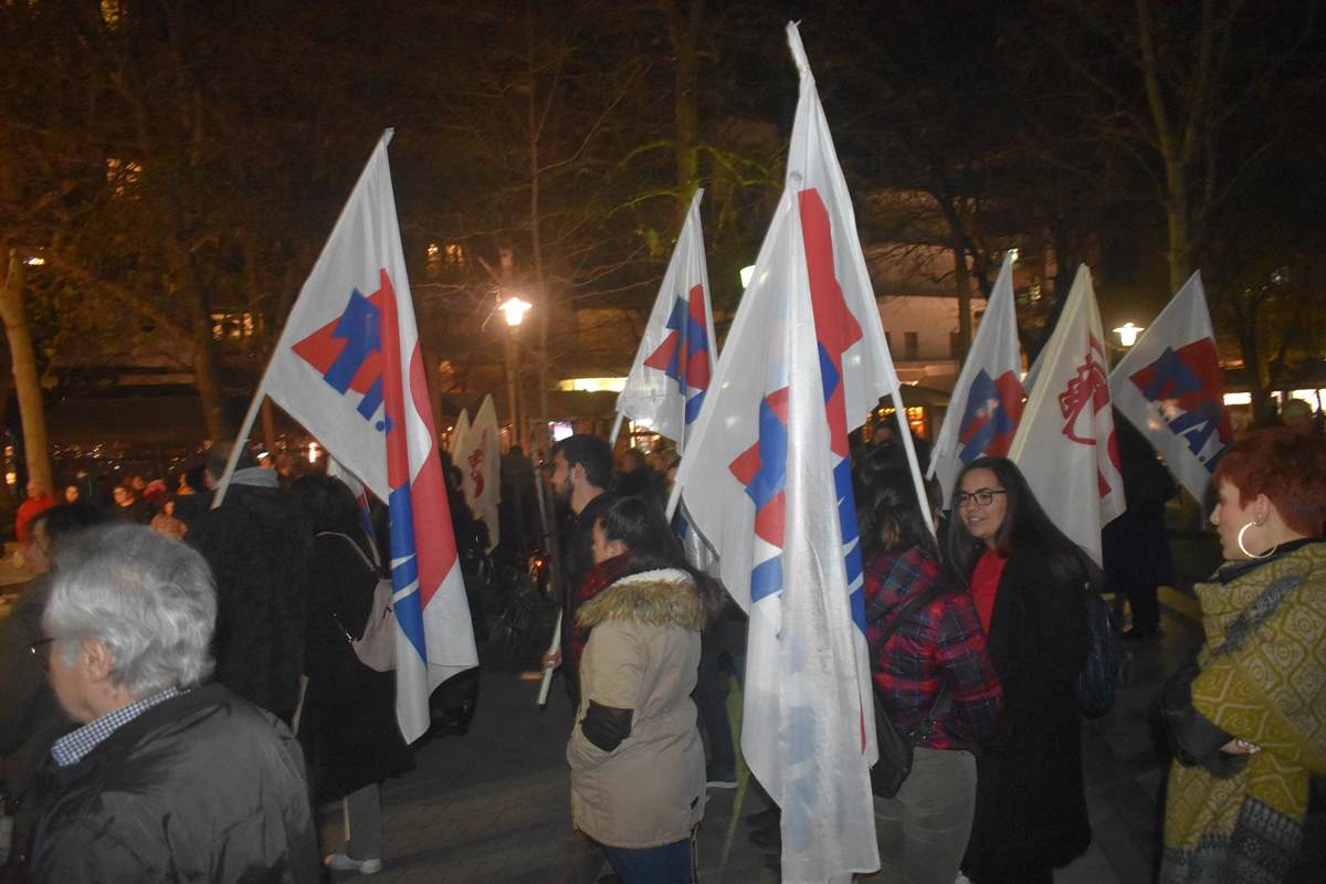 Συγκέντρωση της Ένωσης Γυναικών και του ΕΚΛ για την Παγκόσμια Ημέρα της Γυναίκας στη Λάρισα (φωτο)