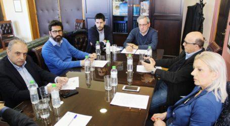 Συνάντηση Καλογιάννη με επικεφαλής δημοτικών παρατάξεων: «Στη σωστή κατεύθυνση τα μέτρα που έχουν ληφθεί»