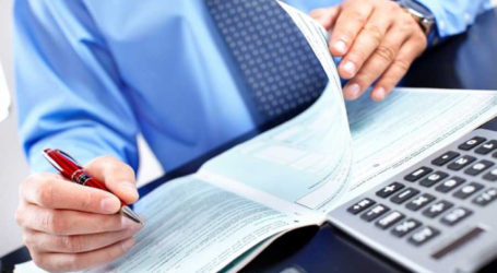 «Ουρές» στα λογιστικά γραφεία του Βόλου για το επίδομα των 800 ευρώ