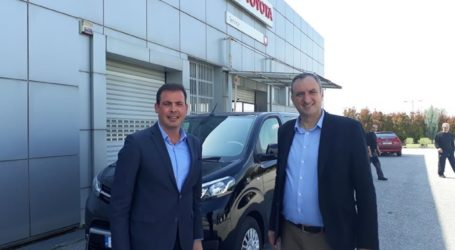 Ένα καινούριο αυτοκίνητο Τoyota στον δήμο Τυρνάβου για το «Βοήθεια στο Σπίτι»