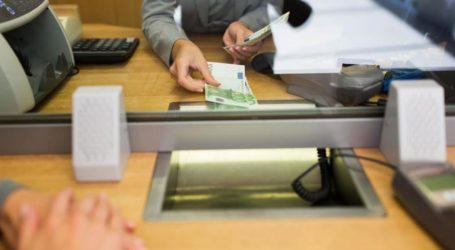Κορωναϊός: Με έλεγχο η ροή πελατών στα τραπεζικά καταστήματα από Δευτέρα