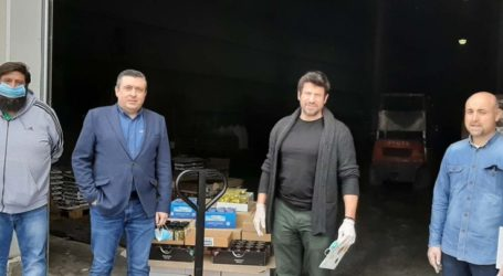 Ο Αλέξης Γεωργούλης εθελοντής, παρέλαβε τρόφιμα για το Κοινωνικό Παντοπωλείο του δήμου Λαρισαίων