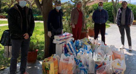 Δημοτικοί σύμβουλοι Βόλου συγκέντρωσαν τρόφιμα για το Γηροκομείο