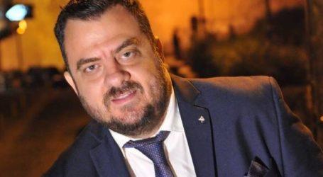 Ο Βολιώτης DJ που «μένει σπίτι» και «ρίχνει» το ελληνικό ίντερνετ