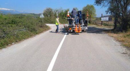Σε διαγράμμιση τμημάτων του δημοτικού οδικού δικτύου προχώρησε ο δήμος Τεμπών