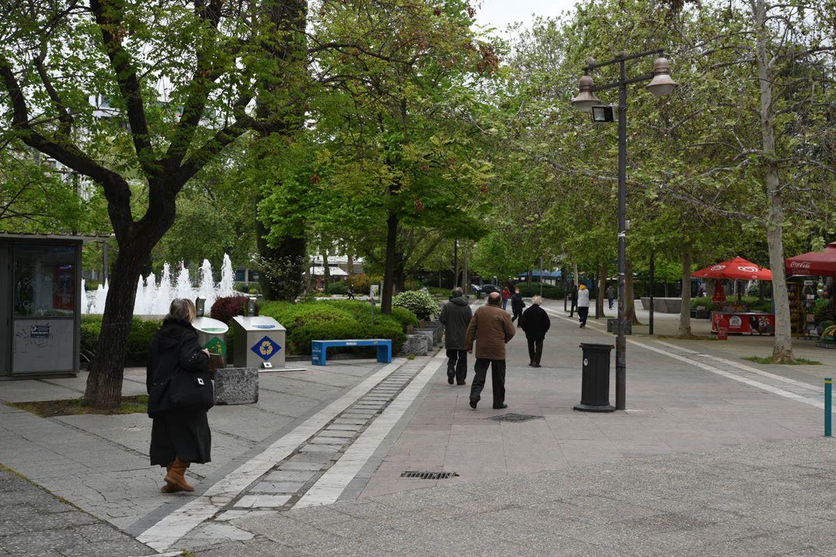 Πρώτη εργάσιμη μέρα μετά το Πάσχα στη Λάρισα με αρκετή κίνηση στο κέντρο