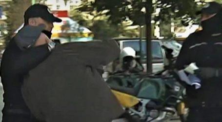 Άνδρας της δημοτικής αστυνομίας έκανε κεφαλοκλείδωμα σε ηλικιωμένο