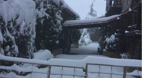 Χωρίς ρεύμα για 5 1/2 ώρες και μέσα στο χιόνι έμειναν οι κάτοικοι στον Αγ. Αθανάσιο
