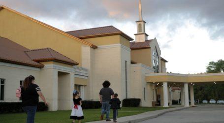 Εκκλησία στη Λουιζιάνα συνεχίζει να τελεί λειτουργίες
