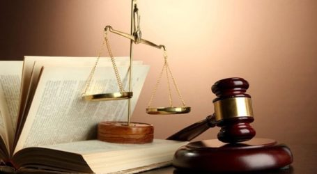 «Σπάει» τη μερική αναστολή των δικαστηρίων, η κλήση σε εξηγήσεις 76χρονης για μία …καγκελόπορτα!