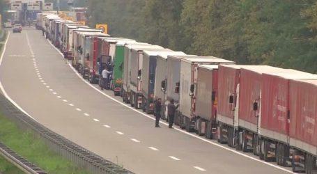 Ο κορονοϊός «φρενάρει» και τις μεταφορές, μεγαλώνοντας χρόνους κι αποστάσεις- Σαν «σιδερένιο φίδι» κινούνται τα φορτηγά
