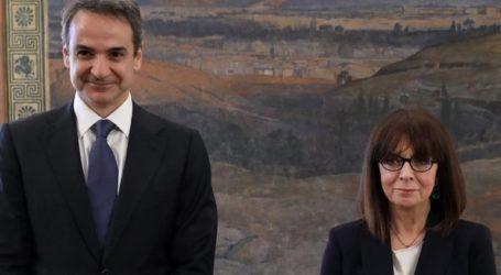 Τηλεδιάσκεψη με την ΠτΔ θα έχει την Τετάρτη ο πρωθυπουργός