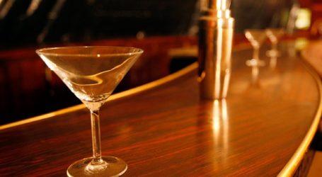 O υπουργός Δημόσιας Τάξης φέρεται να παραβίασε την καραντίνα για να αγοράσει αλκοόλ