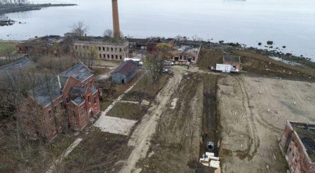 Αζήτητα θύματα ενταφιάζονται στο νησί Χαρτ της Νέας Υόρκης