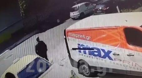 Κλέφτης παραβίασε ταξί στο περιστέρι