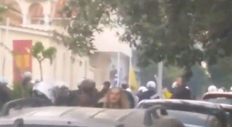 Ελεύθεροι οι συλληφθέντες έξω από εκκλησία στον Κορυδαλλό