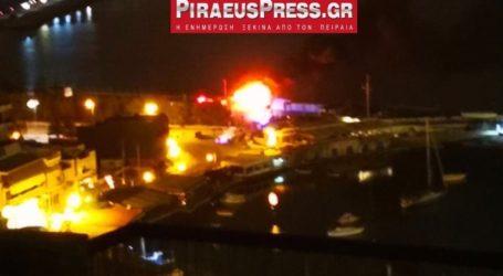 Φωτιά σε σκάφος στο Μικρολίμανο