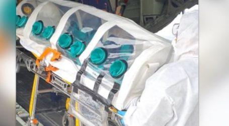 Δείτε πώς μεταφέρθηκε ασθενής από την Κρήτη στην Αθήνα με ειδική κάψουλα αρνητικής πίεσης