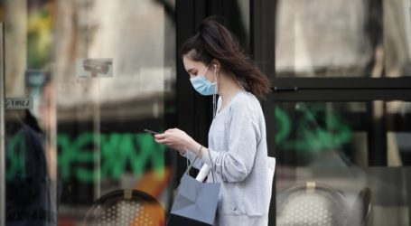 Υποχρεωτική η χρήση μάσκας για τους μαθητές γυμνασίου και λυκείου