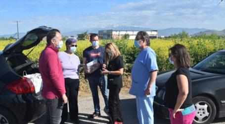 Ξεκίνησαν τα μαζικά τεστ για κορωνοϊό στο Ομορφοχώρι Λάρισας ύστερα από το θετικό κρούσμα σε παιδί – Δείτε φωτογραφίες