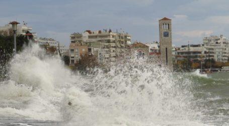 Λιμεναρχείο Βόλου: Συνεχίζεται η κακοκαιρία με ισχυρούς ανέμους έως 10 μποφόρ