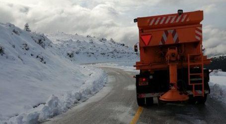 Ανοιχτό το οδικό δίκτυο της Π.Ε. Λάρισας – Επιχειρούν 15 μηχανήματα της Περιφέρειας (φωτο)